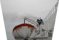 Det hr. skipsrederen nu behøver er ikke et containerskip, men en livbåt.