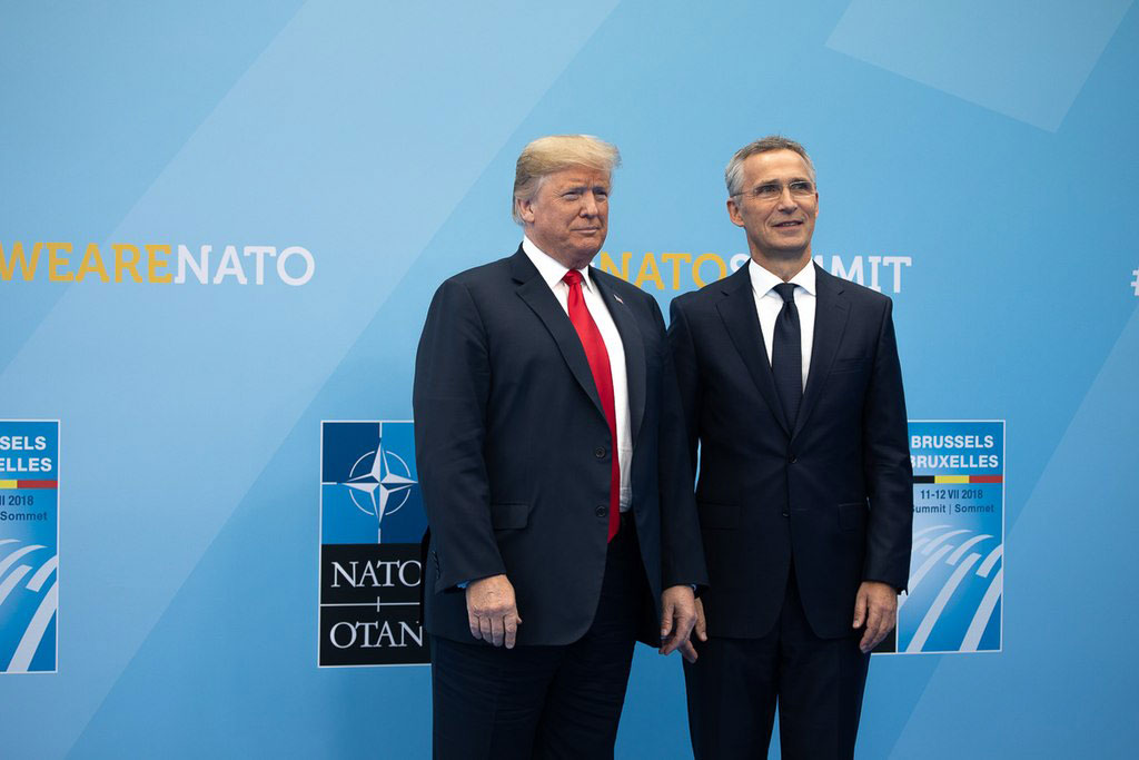 Donald Trump og Jens Stoltenberg  juli 2017. Official White House photo. Shealah Craighead